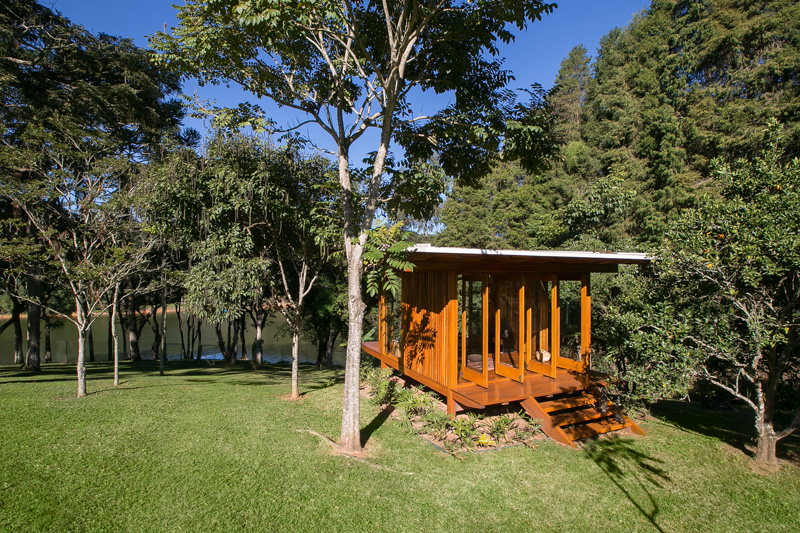 pavilion-lawn-nature-trees-panorama-lake-soil-volume-view-ventilation-prefabricated-exterior
