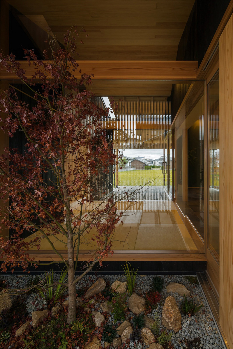 Japanese garden and bay window