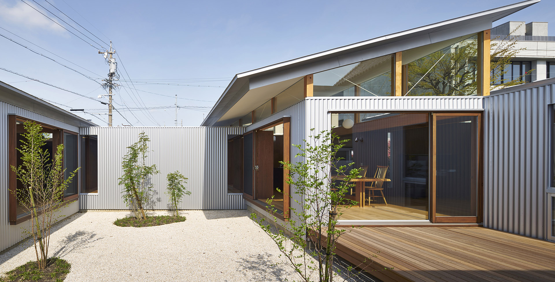 Independent wooden house