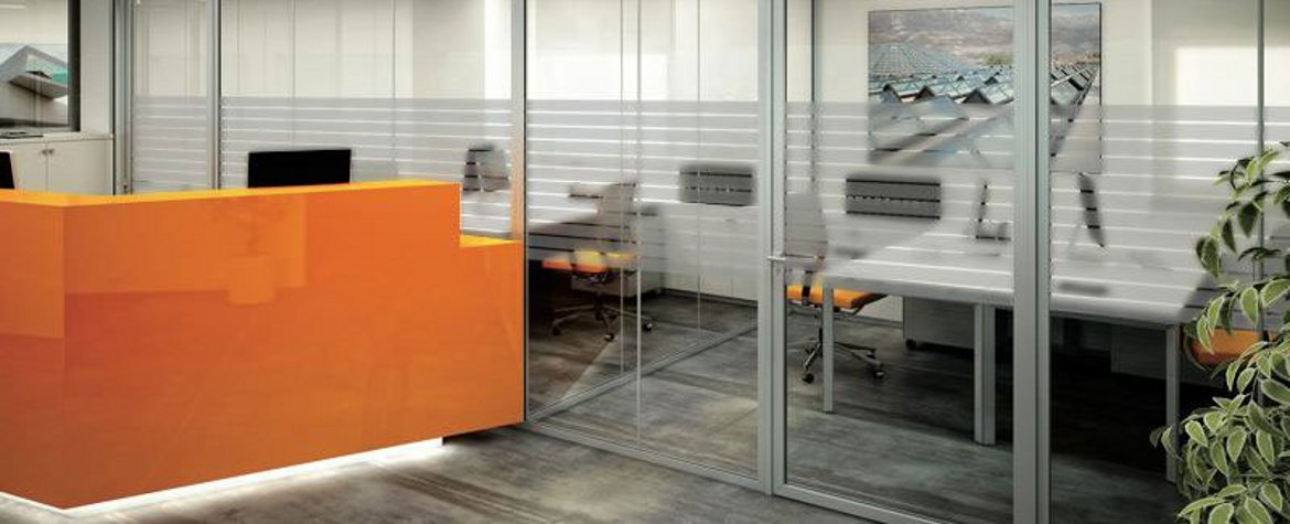 Internal glazed partition with Serisolar decorative films