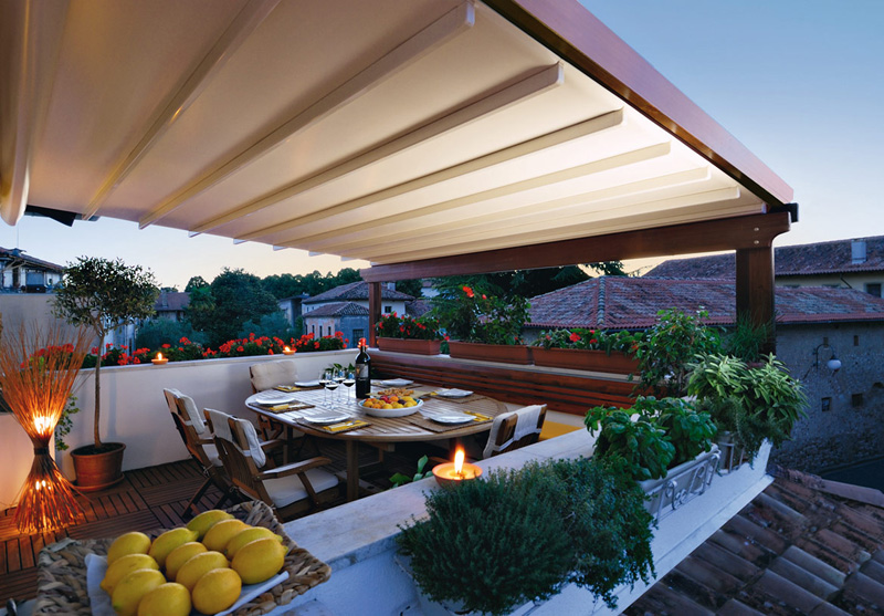 Pergola Pratic for shading of a small terrace