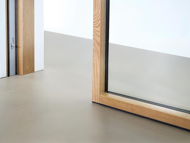 Lifting sliding windows with magnetic levitation