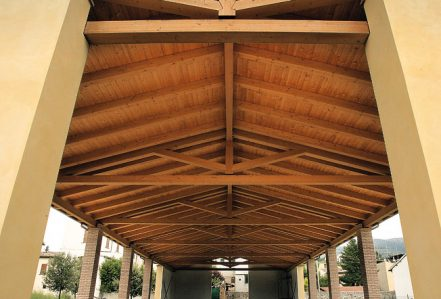 Roof trusses in wood
