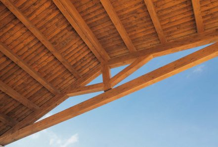 Roof truss in wood