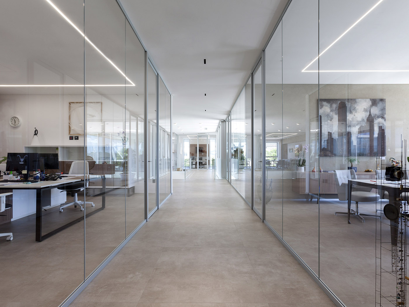 Office interior transparent partition walls